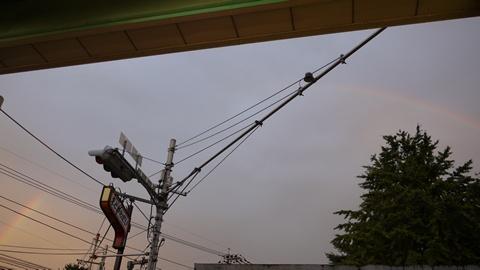 商店街と虹